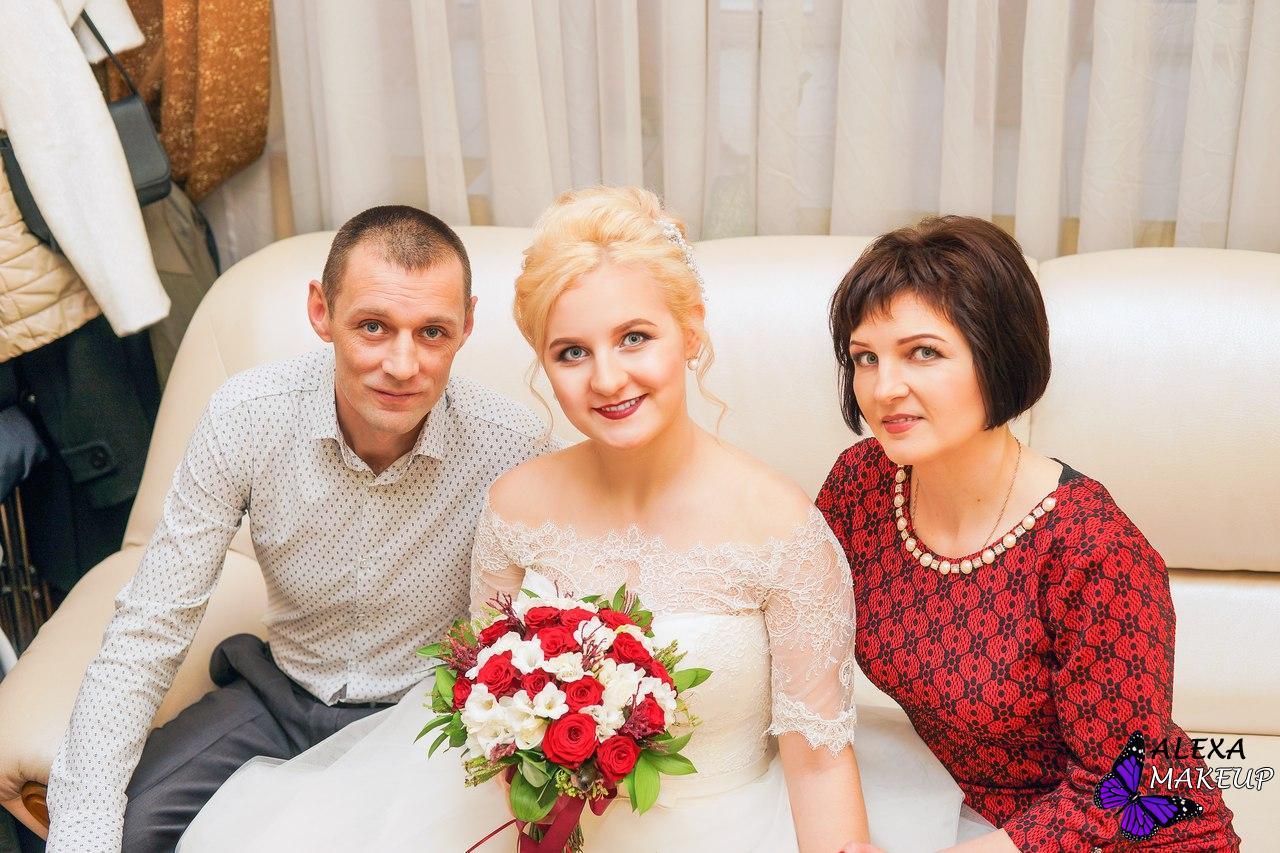 Фото причесок для матери невесты